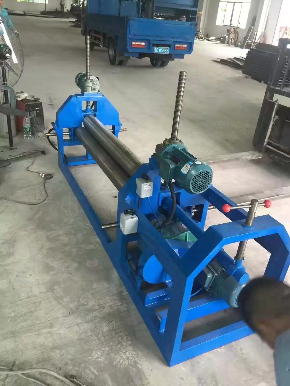 广东三辊卷板机厂家   小型机械卷板机3X1300
