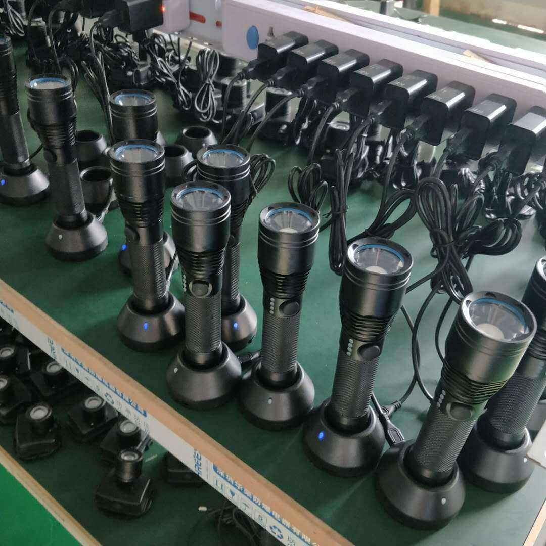 SZSW2105 容量大、寿命长  防爆强光电筒