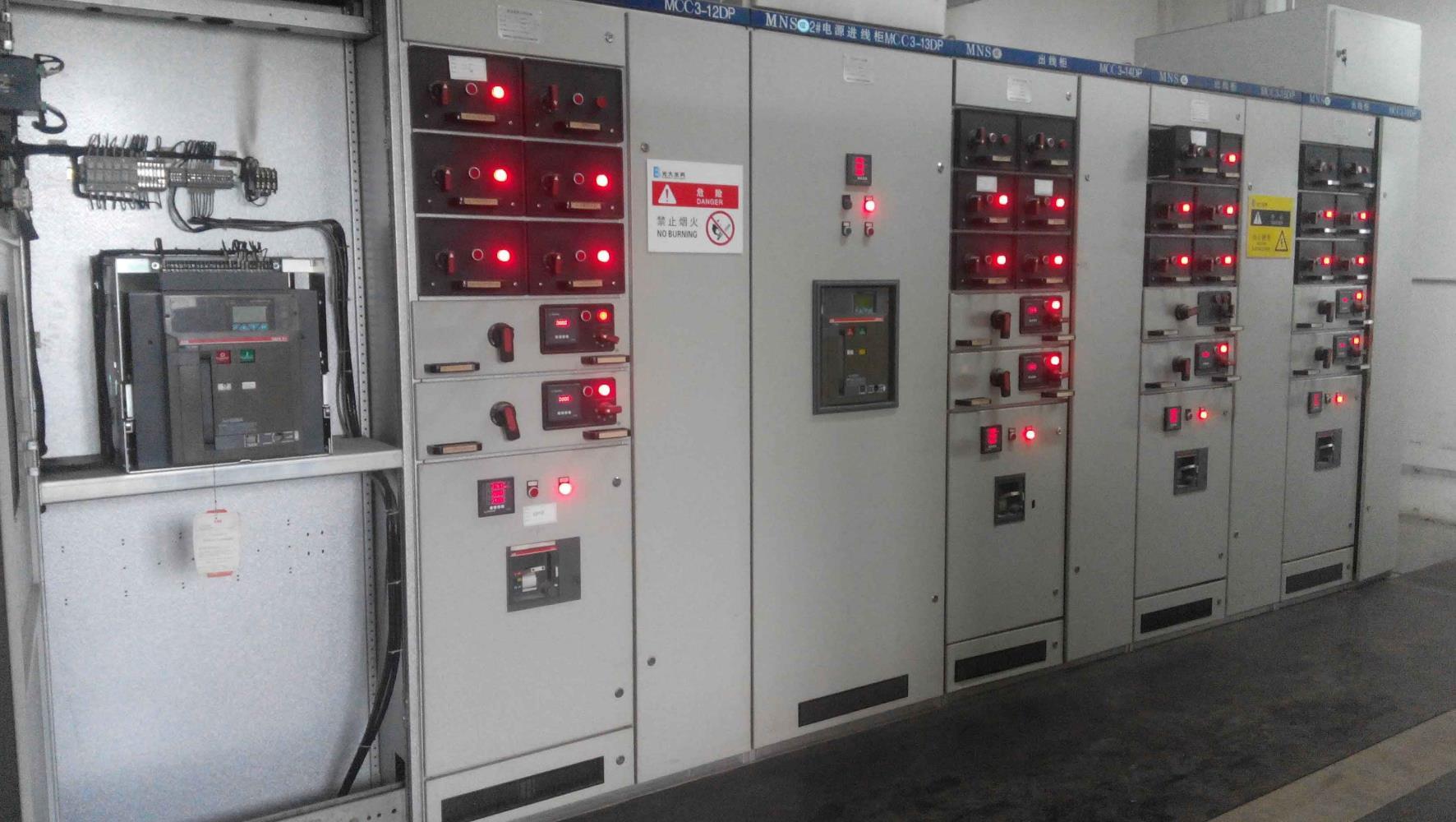 济南PLC控制柜中的主要部件