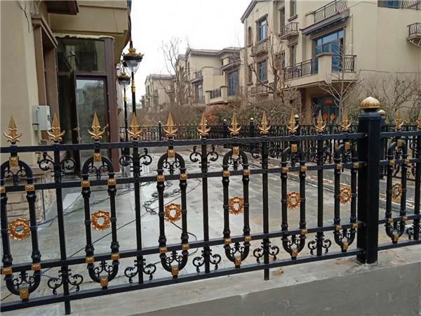 铝艺护栏厂家介绍铝艺护栏的性能